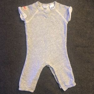 Country Road baby jumpsuit size 3-6 months (00)
